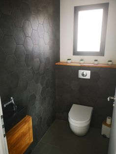 Discover recipes, home ideas, style inspiration and other ideas to try. Small Toilet Room, Guest Toilet, Downstairs Toilet, Minimalist Bathroom, Modern Bathroom, Small Bathroom, Bad Inspiration, Bathroom Inspiration, Home Design