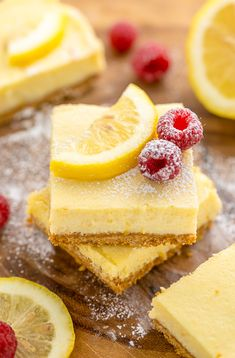 These Lemon Pie Bars are made with lemon juice, lemon zest, and lemon extract, so you know they're loaded with lemon flavor! Sprinkle each bar … Summer Dessert Recipes, Lemon Desserts, Lemon Recipes, Lemon Pie Bars, Lemon Cheesecake Bars, Lemon Cookies Easy, Candied Lemon Peel, Graham, Fondant Cakes