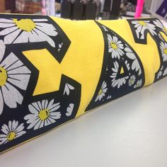 A new week starts and new patterns are out!! If this flower pattern is a must have order it now. http://www.somethinggreek.com/pages/instagram #somethinggreek #sigmadeltatau #sdt #flowers #dasiy #black #newpattern #ig61316