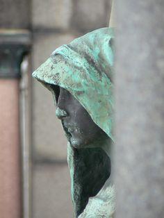 Cimetière du Père-Lachaise #sculpture #design