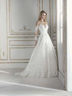 cbe4998083bc Abito con maniche in pizzo Errico Maria  matrimonio  sposi  sposa   vestitodasposa