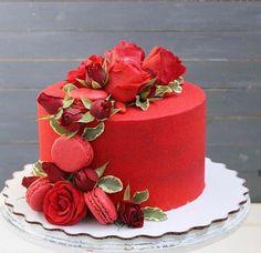 Beautiful Birthday Cakes, Gorgeous Cakes, Pretty Cakes, Amazing Cakes, Red Birthday Cakes, Cake Decorating Designs, Cake Designs, Bolo Macaron, Fresh Flower Cake