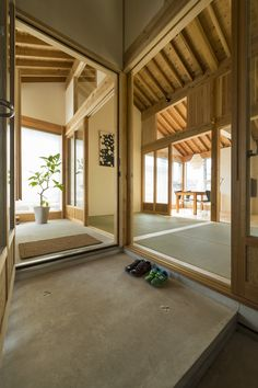 Gallery of Inari House / TOKMOTO architectures room - 5