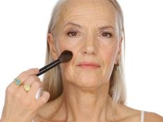 Lisa Eldridge's YouTube makeup tutorial for older women has become a hit, with fans declaring there's a lack of beauty tips for those battling wrinkles.
