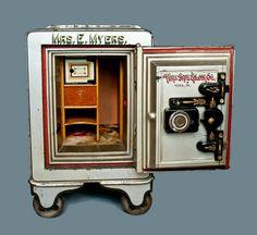 Antique Stoneware Auction, American Redware Pottery Auction by Crocker Farm Combination Safe, Antique Safe, Bank Safe, Safe Vault, Vault Doors, Deposit Box, Safe Lock, Back Pieces, Antique Auctions
