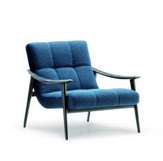 10 fauteuils lounge pour un confort maximal Bureau Design, Outdoor Chairs, Outdoor Furniture, Outdoor Decor, Front Door Canopy, Muuto, Calacatta Marble, Structure Metal, Upholstered Arm Chair