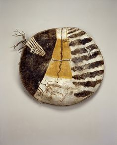 Shield with Buffalo Bull and Thunderbird. Crow Culture, Montana, 1800-1825. Field Museum of Natural History, Chicago (71765)