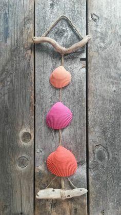 hängende-Tür-Dekoration-Muscheln-grelle-warme-Nuancen