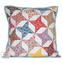 Big Stitch Quilting   HST Pillow Top Tutorial.  Nice tutorial on hand quilting using a big stitch.