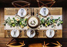 Γιορτινό τραπέζι μενού: προτάσεις και ιδέες για ένα ολοκληρωμένο γεύμα την ημέρα του ρεβεγιόν που θα αφήσει ευχαριστημένους τους καλεσμένους μας.