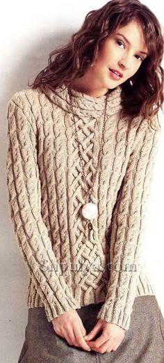 Бежевый пуловер с узором из кос, вязаный спицами