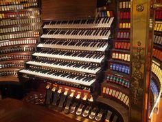 Wanamaker Grand Organ at Macy's in Philadelphia- the world's largest operational pipe organ