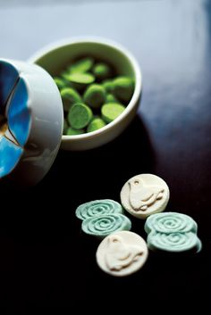 Seasonal higashi (dry sweets) made with a super-fine sugar called wasanbon.