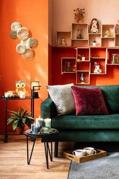 Haal alles in huis om deze herfst onvergetelijk gezellig te maken! Decor Home Living Room, Room Decor Bedroom, Home And Living, Home Decor, Dream Home Design, Home Interior Design, Interior Decorating, House Design, Country House Interior