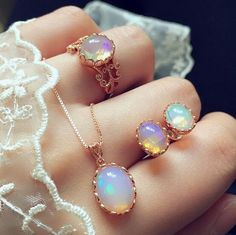Luxury Jewelry  2017/2018 : Natural sterling silver vintage court opal sets