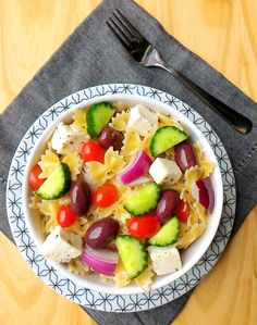 Salada de macarrão a grega