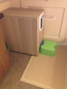 Multistory Cat Litter Box - IKEA Hackers. Won't track litter all over the place, easy to clean, looks nice!