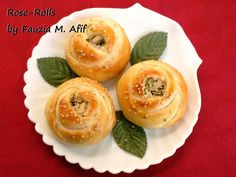 How to make delicious rose rolls - HowToInstructions. (Use frozen bread dough) Pavlova, No Rise Bread, Biscuits, Turkish Recipes, Bread Rolls, Rolls Recipe, Creamy Chicken, Dinner Rolls, Cheesecakes