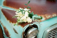 Brides bouquet - on wood or a prop on the ranch Chic Wedding, Rustic Wedding, Dream Wedding, Wedding White, Wedding Gowns, Backyard Carnival, Southern Weddings, Wedding Photo Inspiration, Bride Bouquets