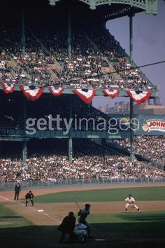 When the Dodgers met the Yankees in the World Series, everyone was expecting a clash of titans. The results shocked the baseball world. Baseball Park, New York Yankees Baseball, Baseball Photos, Ny Yankees, Sports Photos, Baseball Mom, Baseball Players, Baseball Field, Baseball Stuff