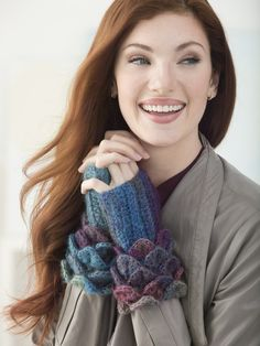 Crochet these Crocodile Stitch Wrist Warmers for a snappy update to your spring accessory wardrobe! Made with one ball of Amazing (shown in Glacier) and a size H-8 (5 mm) hook.