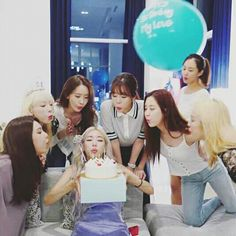 Reunion ~Right now ~Tomorrow ~Forever Sooyoung, Yoona, Snsd, Girls' Generation Taeyeon, Girls Generation, South Korean Girls, Korean Girl Groups, Tomorrow Forever, Bubblegum Pop