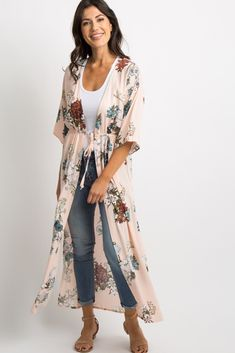 Jun 2018 - Light Pink Side Slit Tie Front Kimono A light pink, floral sleeve kimono featuring an open front with a tie closure and high side slits on each side. This style was created to be worn before, during, and after pregnancy. Kimono Outfit, Boho Kimono, Kimono Fashion, Girl Fashion, Fashion Dresses, Business Casual Womens Fashion, Dress Over Pants, Cardigan, Mode Outfits