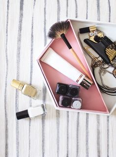 Keep yourself organized and in style with this DIY leather hexagon vanity tray! Diy Vanity, Vanity Tray, Diy Party Supplies, Roomspiration, Diy Desk, Craft Storage, Diy Bedroom Decor, Home Decor, Diy Clothes