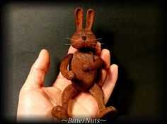 ウサギの人形(頭・腕・脚が可動式)