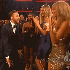 Taylor Swift  and Justin Timberlake both won awards at the 2013 American Music Awards