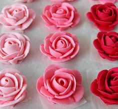 Como fazer rosas para decorar bolos