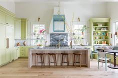 Baseboard Molding, Baseboards, Moulding, Casa Color Pastel, Little Cabin, Easter Peeps, Room Inspiration, Family Room, Layout