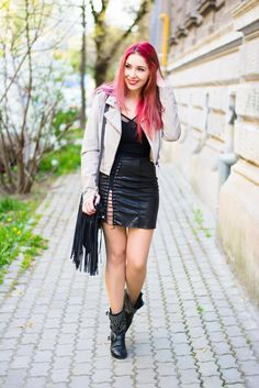 www.streetstylecity.blogspot.com Fashion inspired by the people in the street lace up silver skirt