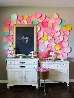 Painted paper plate backdrop--genius!