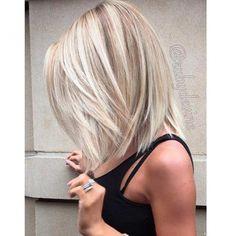 Pinterest is - naast flair.be, uiteraard - wat ons betreft dé place to be om hippe haarinspiratie op te doen. Maar voor de mensen onder ons die niet gezegend zijn met een volle haarbos (of een pak extensions), zijn de meeste kapsels niet zo haalbaar. Tot je op zoek gaat naar kapsels voor thin haired ladies, that is.