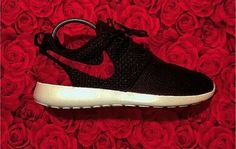 ~~Super Nike Air Max for Men and Women Nike free only 21 dollars for gift Nike Free Shoes, Nike Shoes Outlet, Running Shoes Nike, Fashion Shoes, Runway Fashion, Fashion Spring, Milan Fashion, Fashion Trends, Reflective Shoes