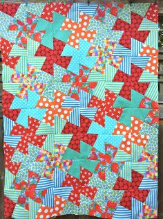 Pinwheels, i prefer the thumbnail to the whole pic Pinwheel Quilt Pattern, Quilt Patterns, Tessellation Patterns, Colorful Quilts, Small Quilts, Quilting Projects, Quilting Designs, Quilting Ideas, Square Dance