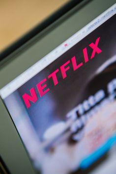 SWEDEN-NETFLIX-VIDEO-STREAMING Netflix Hidden Movies, Netflix Videos, Netflix Hacks, Movies And Tv Shows, Netflix Search, Emotional Movies, Netflix Recommendations, Comedy Tv, Cult Movies