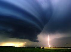 fotos_incriveis_de_tempestades_pelo_mundo_03.jpg (708×522)