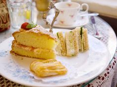 The Victorian-era village of Mount Dora, nestled amongst the hills and orange groves of central Florida, has its fair share of English-style traditions – it would be sacrilegious to come here and not partake of tea and scones at one of the town's many tearooms. The genteel Windsor Rose Tea Room serves these and other favourites from across the pond – from cucumber sandwiches and Victoria sponge cake to Cornish pasties and Scotch eggs.#North America #Tradition #USA #Florida #Cake #Dessert