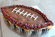 Super Bowl recipes sure to sweeten up halftime like a cupcake football cake, yard line cake pops, and to-die-for brownies! Pull Apart Cake, Pull Apart Cupcakes, Football Cupcake Cakes, Pistachio Cake, Bowl Cake, Football Food, College Football, Savoury Cake, Mini Cakes