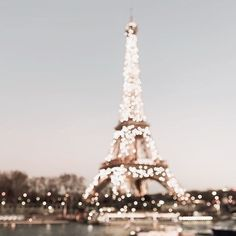 paris, light, and france image Bedroom Wall Collage, Photo Wall Collage, Picture Wall, Wall Art, Images Esthétiques, Photo Images, Image Deco, Belle Villa, Travel Aesthetic