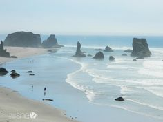 The Oregon Coast is nothing like Disneyland but somehow so much better. See the top 12 reasons the Oregon Coast is more fun than Disneyland. Bandon Oregon, Oregon Usa, Oregon Coast, California Coast, Vacation Trips, Dream Vacations, Vacation Spots, Vacation Destinations, Vacation Ideas