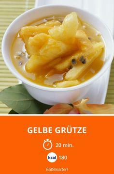 Gelbe Grütze mit Papaya, Mango und Ananas