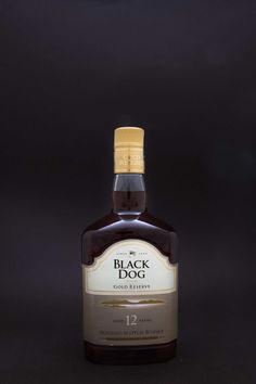 Black Dog Deluxe Gold Reserve 12 Year Old Blended Scotch Whisky