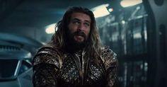 Um filme do Aquaman, obviamente vai ter muita água… Aquamanserá um filme um tanto quanto desafiador e consideravelmente inovador, pois, tratando-se do Rei dos Mares, e de seu reino subaquático, espera-se que uma boa parte do filme se passe em um reino fantasioso, embaixo d'água, onde as pessoasrespiram normalmente e se locomovem montados em tubarões …
