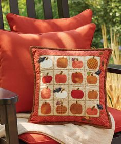 If you're looking for a fun fall project, you've found it! This wool appliqué pillow, Little Pumpkins by Kristine Peterson, is not only fun, but festive and adorable. Plus, it's a free pattern!