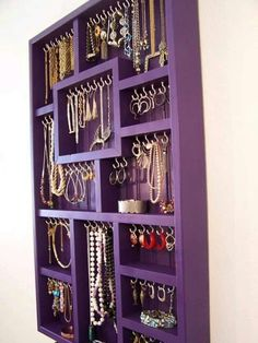 Vintage Bedroom Colorful Organization More - Nailing down a cohesive look for a teenage girl's bedroom can be very difficult. See the best teen girl bedroom ideas and pick your favorite! Jewellery Storage, Jewellery Display, Jewelry Box, Jewelry Holder, Diy Jewelry, Necklace Holder, Jewelry Wall, Earring Holders, Necklace Storage