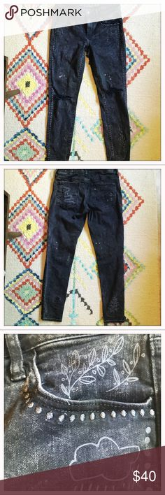 American Eagle doodled Jeggings These are super cute and one of a kind. They are still for sale at American Eagle. I wore them once, but decided I don't need another pair of jeans. Hoping they will go to a good home! Some of the pics were lightened to show the drawings! American Eagle Outfitters Jeans Ankle & Cropped