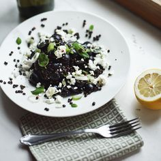 Salad with beluga lentils and grapes